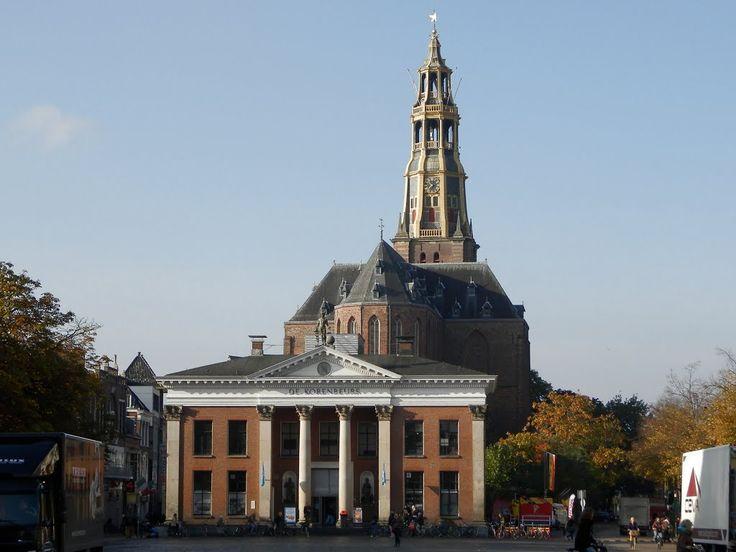 De Korenbeurs van Groningen is een markant gebouw aan de westzijde van de Vismarkt. Het behoort tot de Top 100 der Nederlandse UNESCO-monumenten.