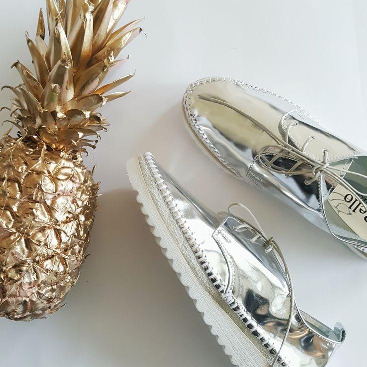 więcej inspiracji na profilu Answear na Instaramie #silver #gold #shoes #answear