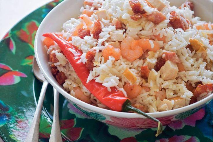 Moksi alesi (Surinaamse rijstschotel met garnalen en kip) - Recept - Allerhande