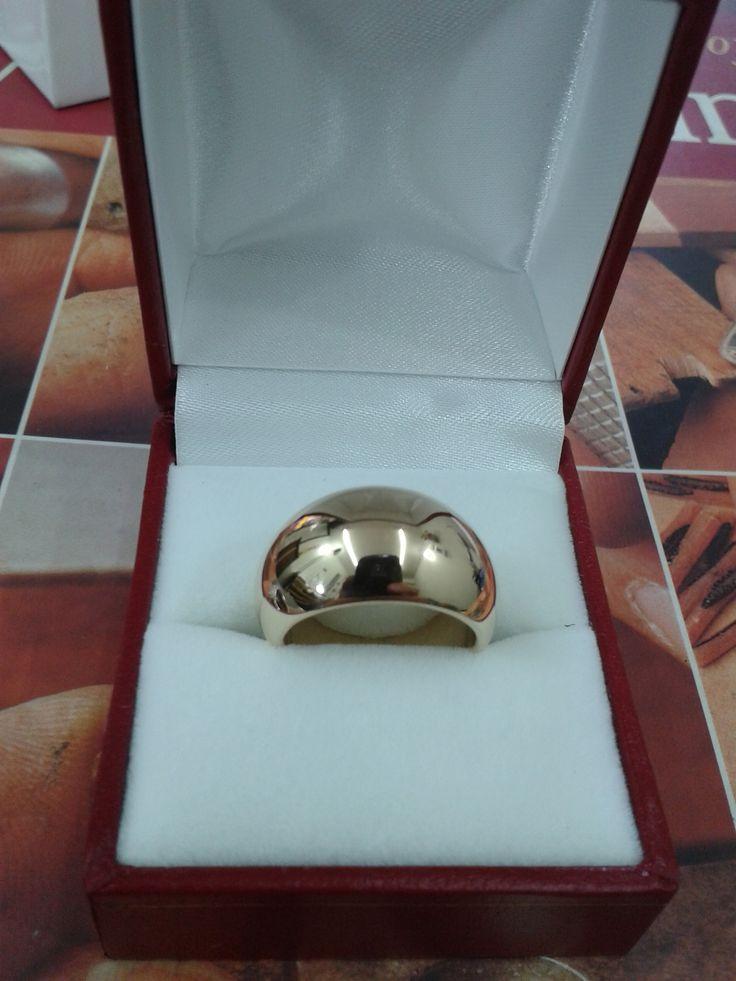Anillo Domo fabricado con oro de 18 kilates