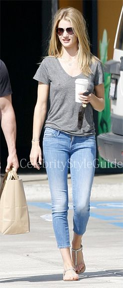 #Rosie Huntington-Whiteley wore the #Mother The Looker Cropped Skinny Jeans when she and Jason Statham grab breakfast and go grocery shopping together on Sunday morning (March 24) in Malibu, Calif.  #CelebrityStyleGuide