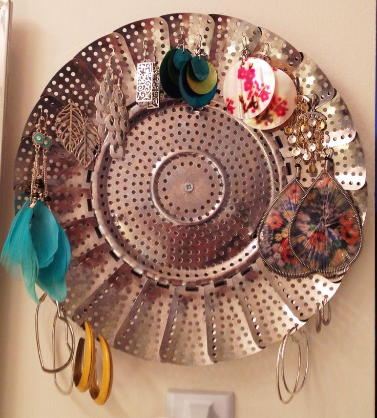Old vegetable steamer basket turned into cute, rustic place to hang and display your earrings!