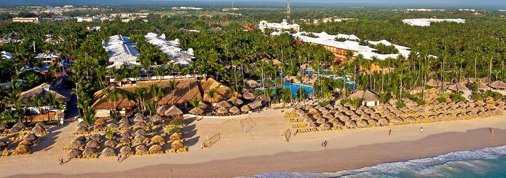 L'hôtel IBEROSTAR Dominicana est un complexe de 5 étoiles Tout Inclus situé directement sur la merveilleuse Playa Bávaro. L'hôtel comporte 506 chambres et une vaste zone commerciale . A l'hôtel IBEROSTAR Dominicana, il y a un terrain de golf de 18 trous et un centre professionnel de plongée sous-marine et avec masque et tuba.