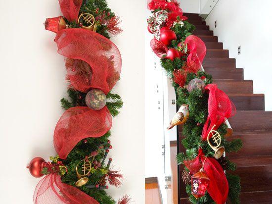 Muestra de ideas para adornar la baranda del balcon de for Adornar puertas para navidad