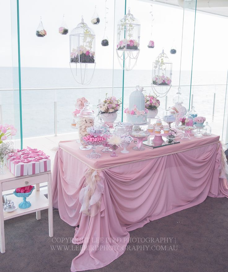 Love table...just the way it's dressed....not a fan if the color...but like this for the sweetheart table