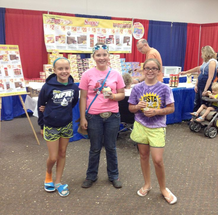 Snappy #Popcorn fans at the #IowaStateFair. #ISF2014