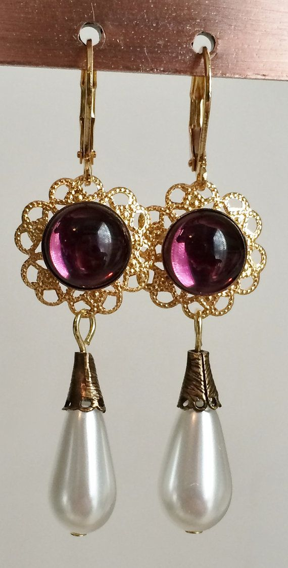 Catherine Parr Gemstone Pearl Earrings couleur au par tudorshoppe