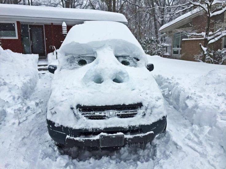 Avec une telle couche de neige, pas étonnant que certains aient décidé de s'amuser :