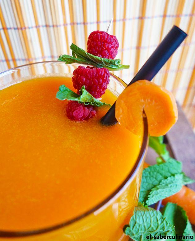 Zumo de naranja, zanahoria y manzana con jengibre | ¿Batido detoxificante?