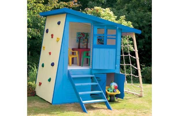 Love the idea of the rock wall to the roof and climb down the ladder on the other side soooo fun