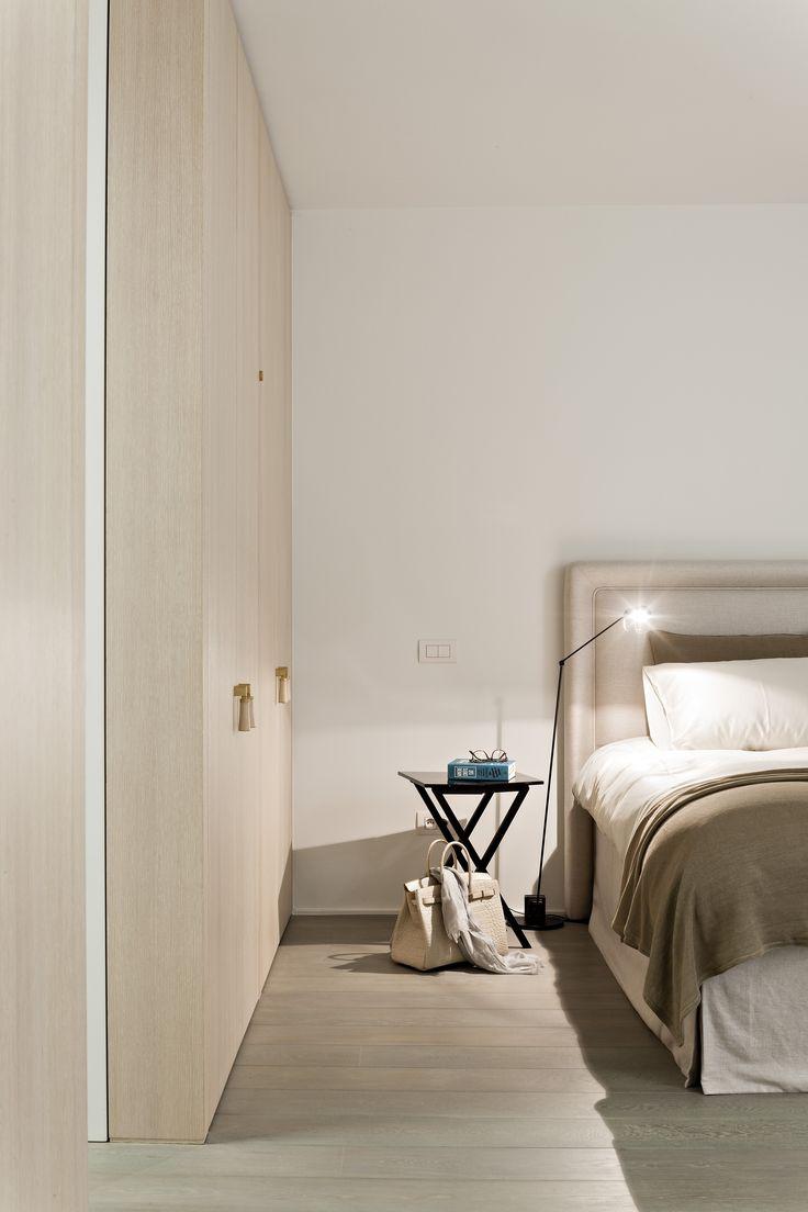 Obumex interior bedroom craftmanship design for Bedroom bedhead design