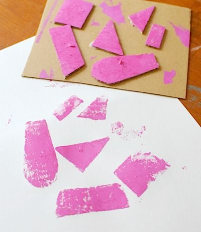 5 Easy Art Projects: Cardboard Prints - http://artchoo.com/5-easy-art-projects-cardboard-prints/