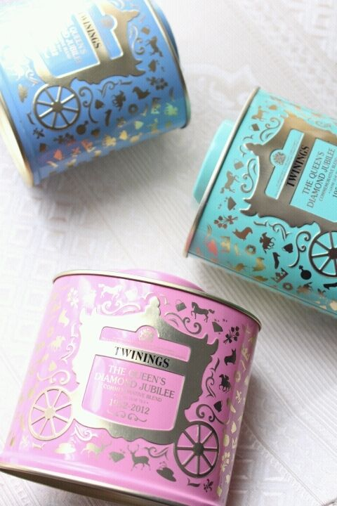 I have the turquoise one (The Queen's Diamond Jubilee mix) - I got it at the original Twinings store on Strand, London.