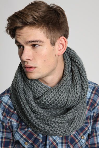 photo tricot modele tricot gratuit snood homme 2