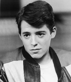 Matthew Broderick!!! I LOVE the younger him!!!! I seriously wish I had been born earlier...then I POSSIBLY could've met him........if only.....but seriously look at this FACE!!!!