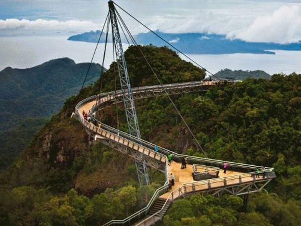 Cum arată cele mai înfricoşătoare poduri din lume - GALERIE FOTO - Mediafax