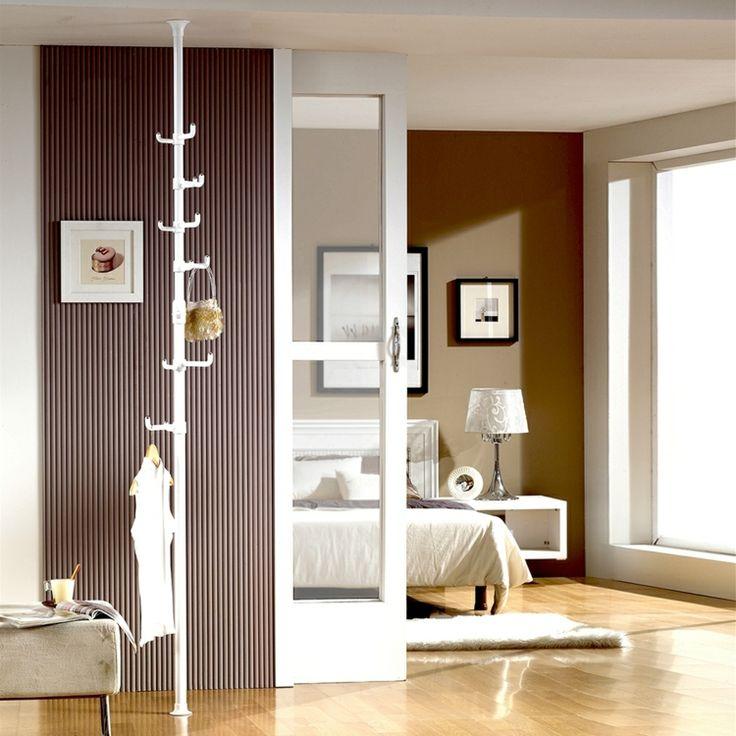 kleiderablage-schlafzimmer-weiss-kleiderstaender-einrichtungsideen-originell