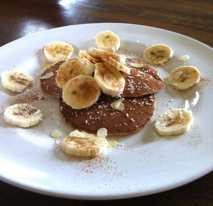 Recept voor amandelmeel-kaneel pannenkoek: erg lekker als ontbijt, maar zeker ook als dessert. Serveer met een bolletje ijs of wat fruit. Bekijk recept!
