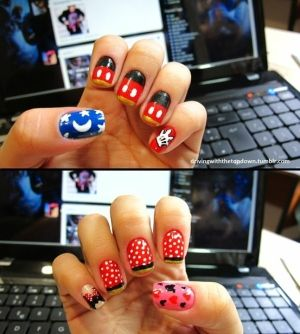 Minnie and Mickey Mouse Nails by corina