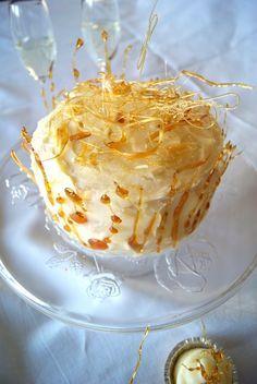 Champagner Torte, Champagner Cupcakes, Champagner Buttercreme, gesponnener Zucker, Karamell, Tortendekoration