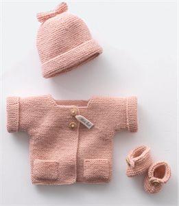 Bonito y delicado conjunto para bebe (gorro, chaqueta y patucos)