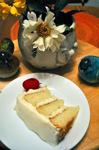 white on white cake with jack daniels buttercream