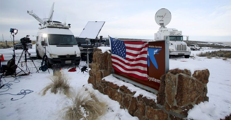 Why Federal Law Enforcement Is Taking a 'Wait and See' Approach to the Oregon Protesters