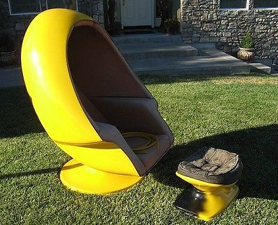 Vintage 1970 39 s lee west alpha chamber egg chair with stool for 70s egg chair