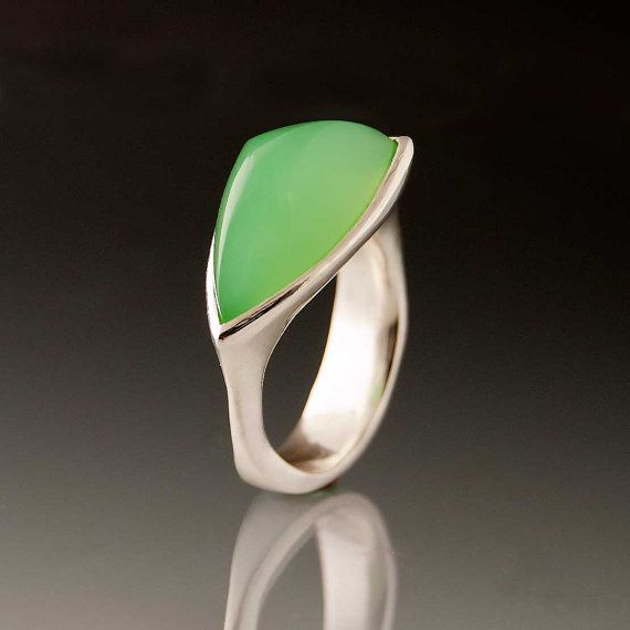 Fancy Chrysoprase CabochonTetra Ring, OOAK size 7, Green Triangle Cabochon Silver Ring Gemstone Ring