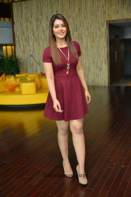 new-pictures-cinema-actress-rashi-khanna-4360.jpg (533×800)