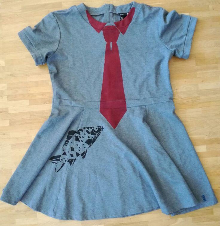 Loni Kreativwerkstatt / Kleid mit Fisch und Krawatte.  #print  #upcycling  #refashion
