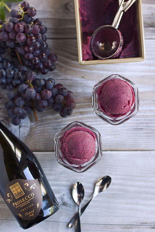 Fresh Grape and Prosecco Sorbet // @tastyyummies // www.tasty-yummies.com