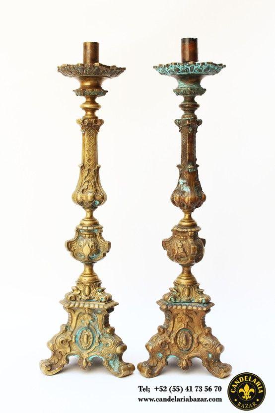 Candelabros antiguos en bronce medidas 65cm x 18cm con Articulos de decoracion