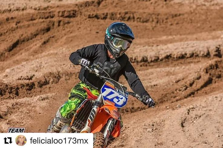 Wishing our ambassador Felicia a great recovery after today's operation!  #Repost @felicialoo173mx Nice pic from the mxpractice before it went bad And I'm looking damn good in dwbtoftshit jersey and gloves   Rad shot @teamsolbergaphotography   #dwbtoftshit @dwbtoftshit #mxgirl#mxpractice#Bigballsmx#motocross#motolife#rad#mxphotography#ktm#125cc