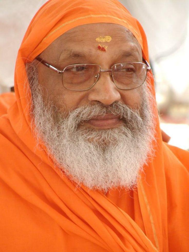 Swâmi Dayananda Saraswati est né le 15 Août, 1930 il est un moine de l'ordre monastique hindoue et un enseignant traditionnel renommé de l'Advaita Vedanta, et fondateur d'Arsha Vidya Gurukulam.