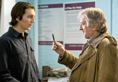'Being Flynn' Directed by Paul Weitz: father gives son a pen
