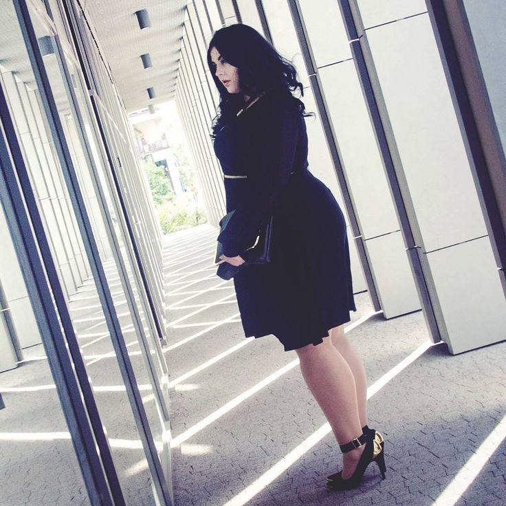 www.instagram.com/rybak.jpg www.Facebook.com/RYBAKphoto   /////  #psootd #plussizefashion #plussize #celebratemysize #dress #curvy #lifethrowcurves #fatshionista #curvee #plussizebeauties #psblogger #plusmodelmag #curvesarein #skorchmag #respectmycurves #stylehasnosize #tcfstyle #curvyfashion #crlookoftheday #thick #bodypositive #styleandcurve #plump #psmodel #chubby_girl_cg #effyourbeautystandards with my dream team @rybakphoto @absinthe.ev 🌼🌻🌼