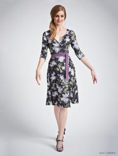 Just beautiful. Leona Edmiston's 2014 collection Stacy dress - the Lilac Garden print was designed in 1904 during the Edwardian Era and is an exclusive print from LE's London Print House.