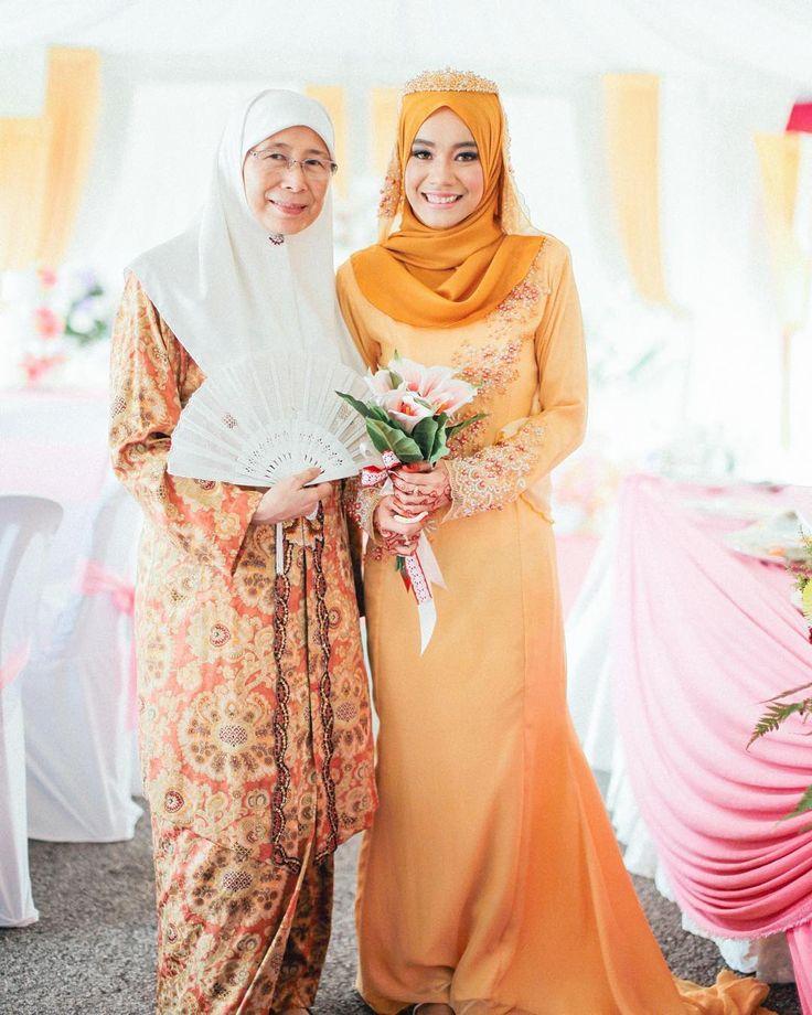 Reception Session Wani   Mirul Location: Kajang Selangor . ............................................................. #dvnp #denoviapictures #jurugambar #photographer #gambarkahwin #malayweddings #raikancinta #malayweddingguide #reception #nikah #solemnization #aqiqah #tunang #sanding #engagemnent #prewedding #love #postwedding #jomkahwin #fotografiperkahwinan #pakejperkahwinan #candid #bridesmaids #dulanggirls #malaysianphotographer #pakejfotografi #malaysianwedding #inspirasiperkahwinan…