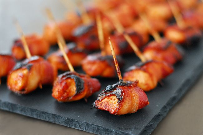 Sweet and Spicy Sriracha Bacon Chicken Bites by thegunnysack #Appetizer #Chicken #Bacon #Sriracha