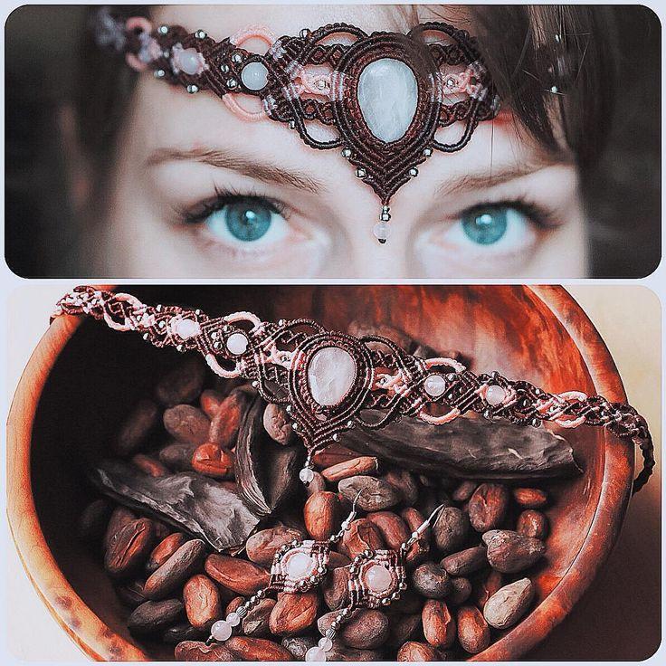 Комплект с розовым кварцем: диадема и серьги #macrame #micromacrame #svitoe #handmade #bijoux #jewellery #beauty #boho #bohemian #princess #diadem #earrings #set #natural #stone #rosequartz #pink #brown #quartz #custom #work #eyes #fashion #style