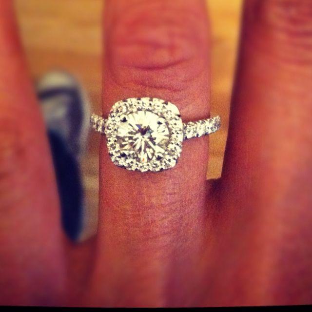 beautiful.: Girls, Oneday, Cushions Cut, Weddings Rings, Dream Rings, Diamonds, Future Husband, Dream Engagement Rings, Bling Bling