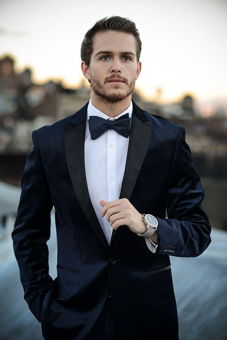 Express velvet tuxedo jacket | http://iamgalla.com/2014/12/dressing-dapper-for-the-holidays/