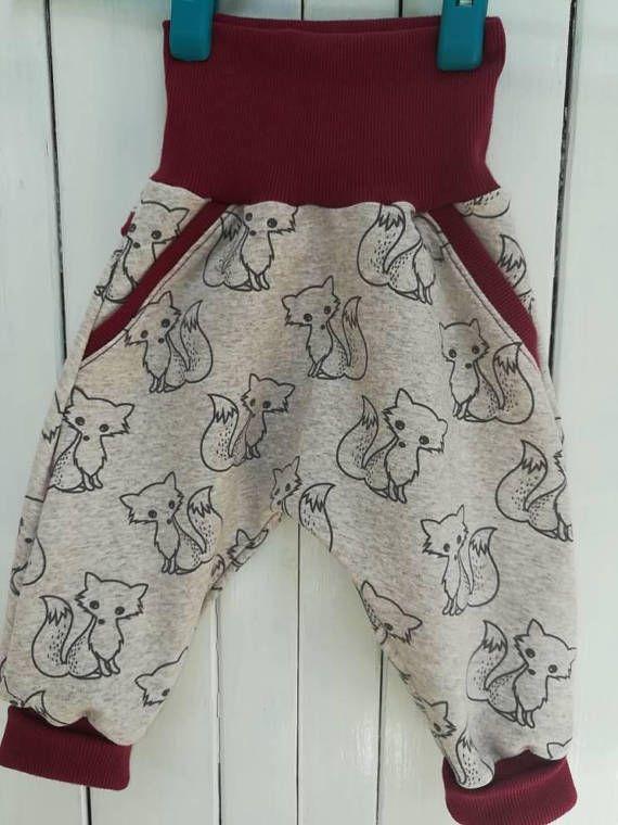 Retrouvez cet article dans ma boutique Etsy https://www.etsy.com/fr/listing/564954011/sarouel-pantalon-evolutif-pour-bebe-au