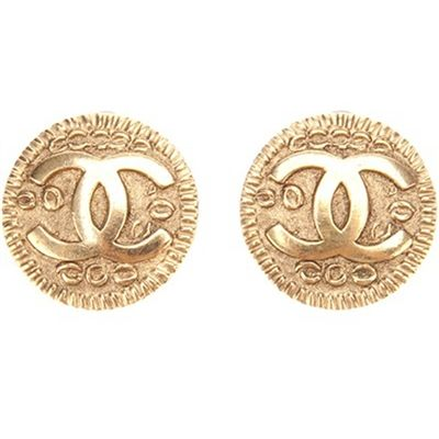 Chanel Vintage Logo Earring #fashion #chic #style  Collectioneight.com/blog/