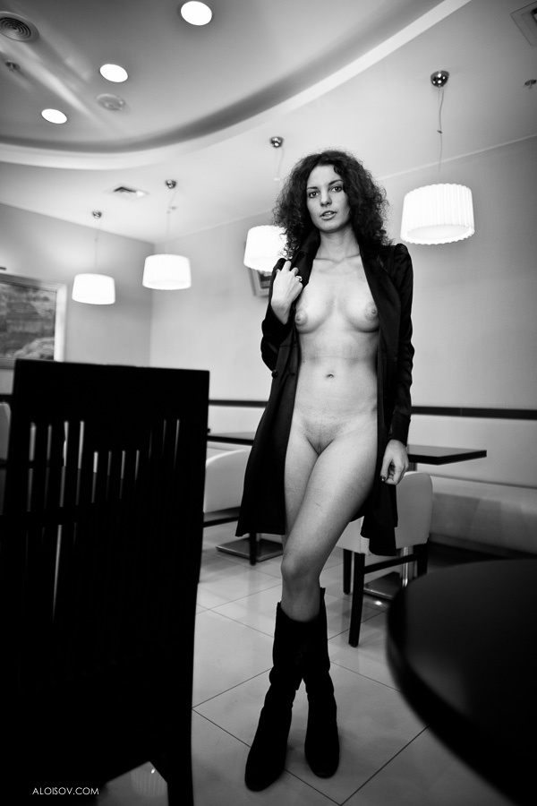 Flashers and Peeks: Photo: Photos, Nude Photography
