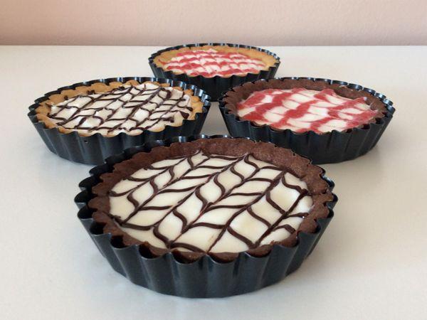 Mini tarts with milk cream