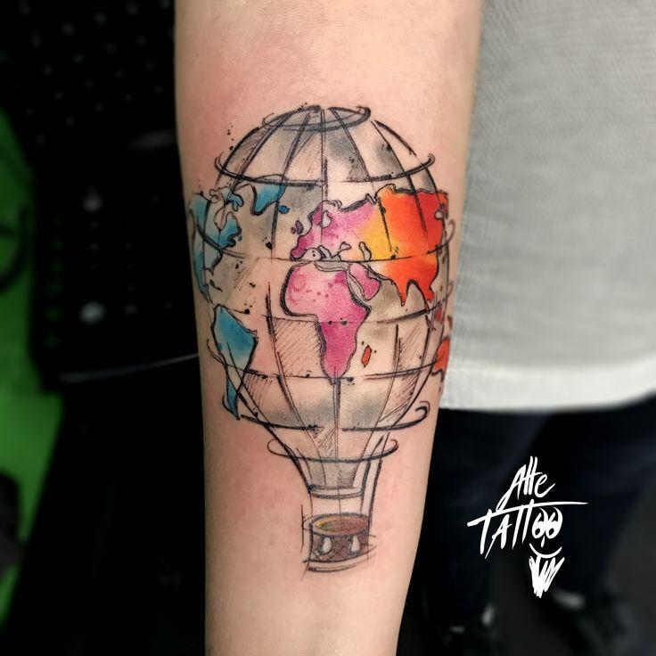 #tatuaggio #mongolfiera #hotairballoon #watercolor #planisfero #planisphere #viaggio #trip
