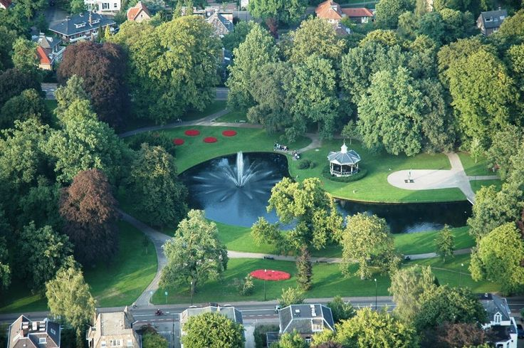 Apeldoorn has several parks. This is the Oranjepark