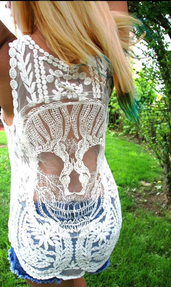 I WANT!!! GIMME!! NEW Candy Skull Crochet Back Boho Tank Top - BeIge or Pink Lace Tank NEW on Etsy, € 26,99